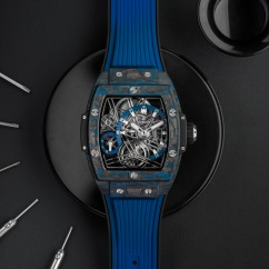 Hublot_Spirit_of_Big_Bang_Tourbillon_Carbon_Blue_4-jpg